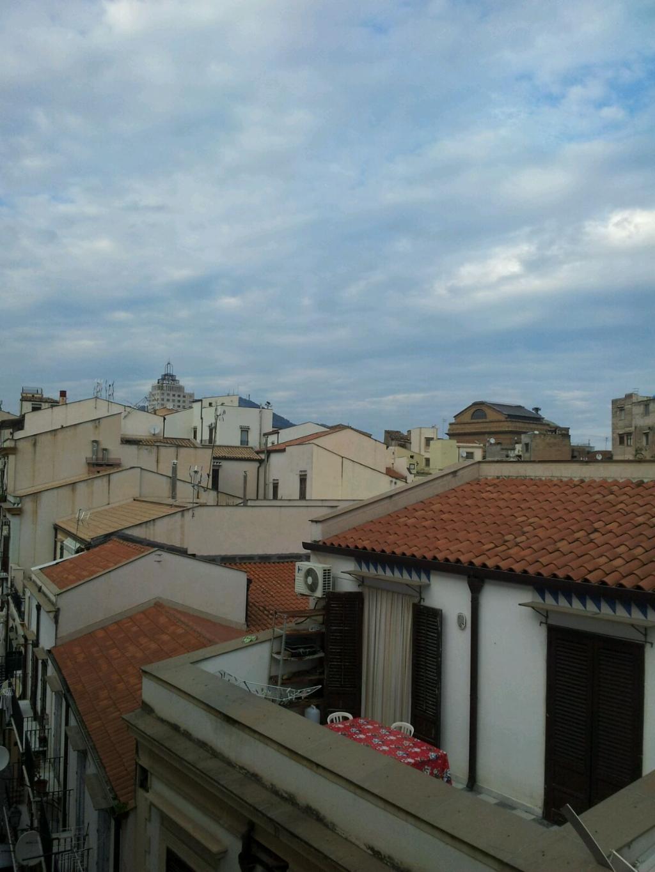 Bilocale Palermo Via Carrettieri 10