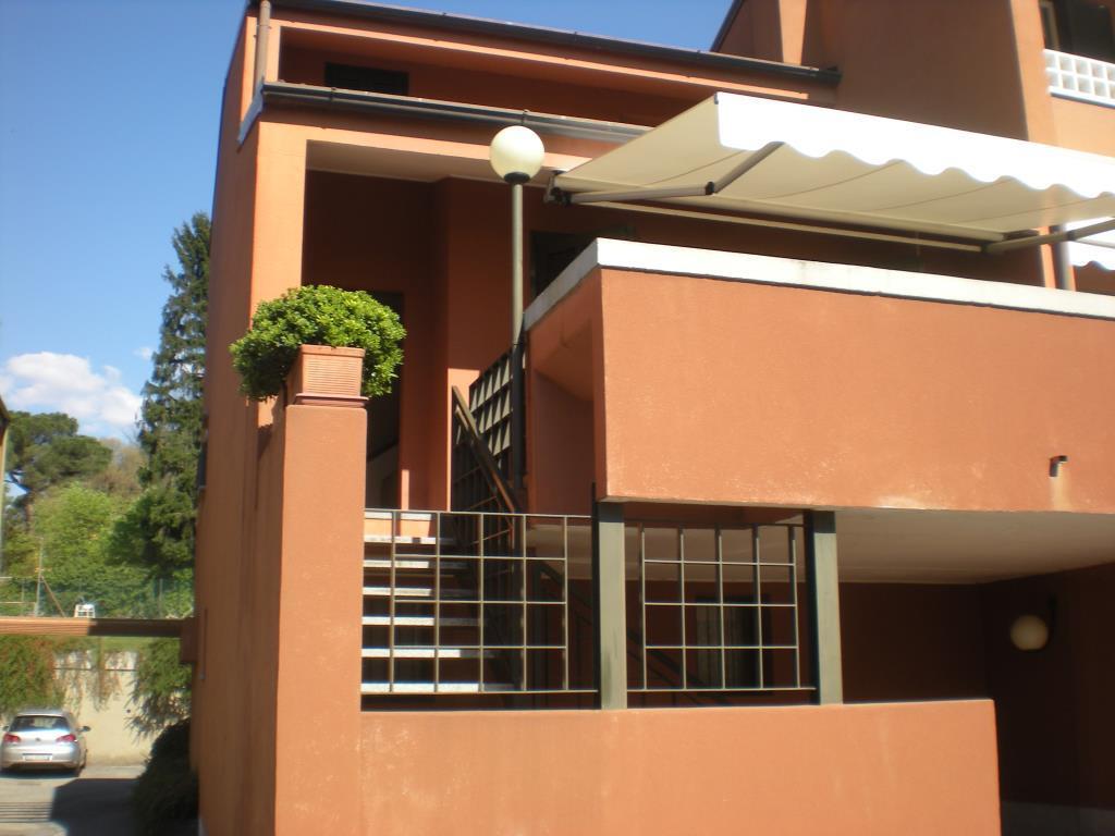 Villa a Schiera in Affitto a Como