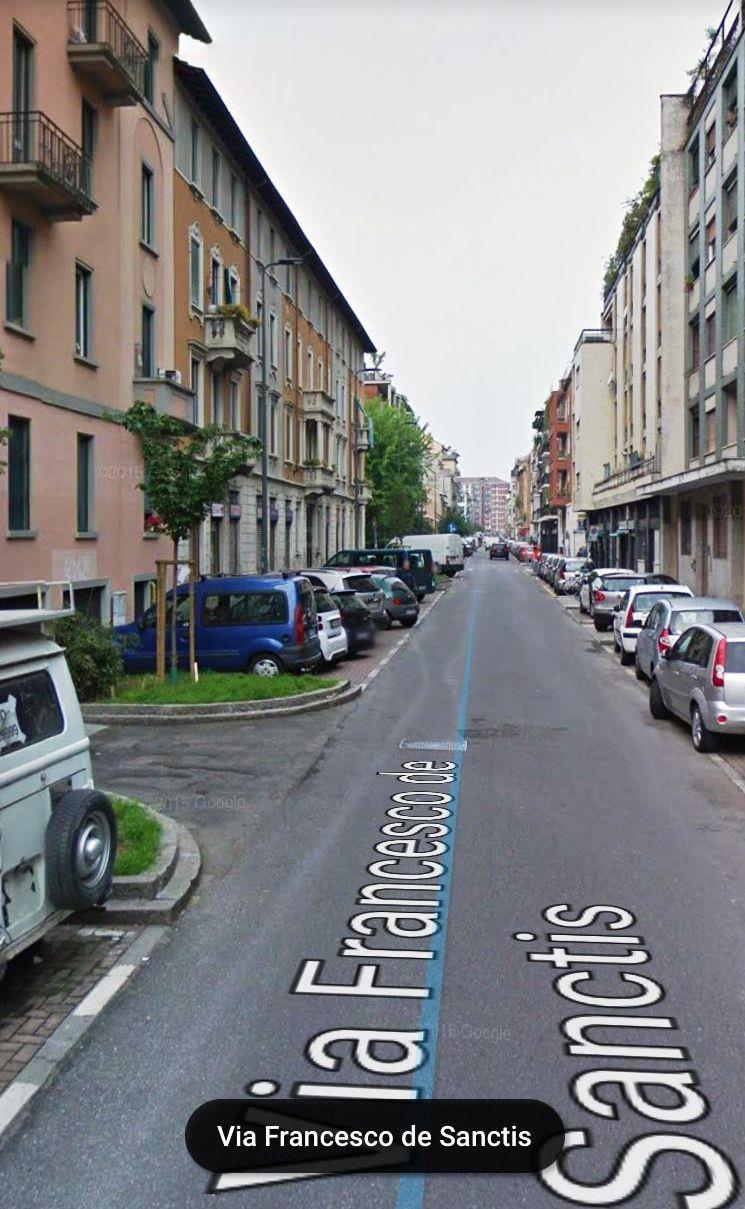 Bilocale Milano Via De Sanctis 9