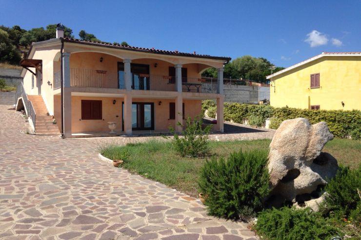 Soluzione Indipendente in vendita a Loiri Porto San Paolo, 5 locali, prezzo € 315.000   Cambio Casa.it