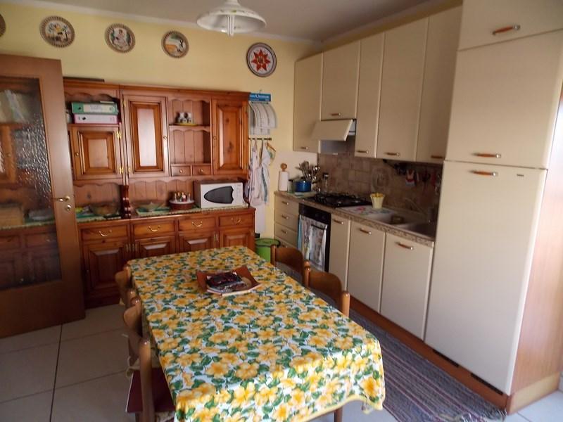 Vendesi ampio e luminoso appartamento a Martinsicuro (TE)