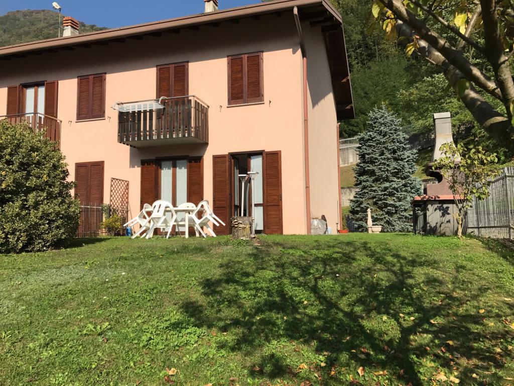 Villa a Schiera in Vendita a Introbio