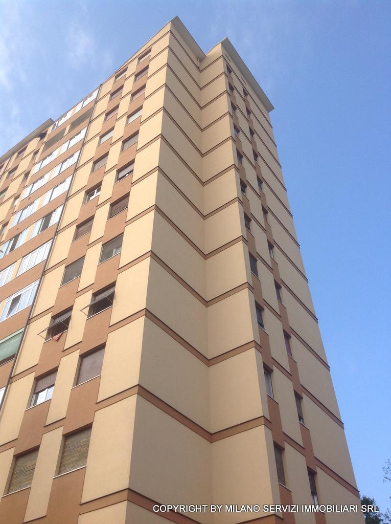 Bilocale Milano Via Esculapio 4 4