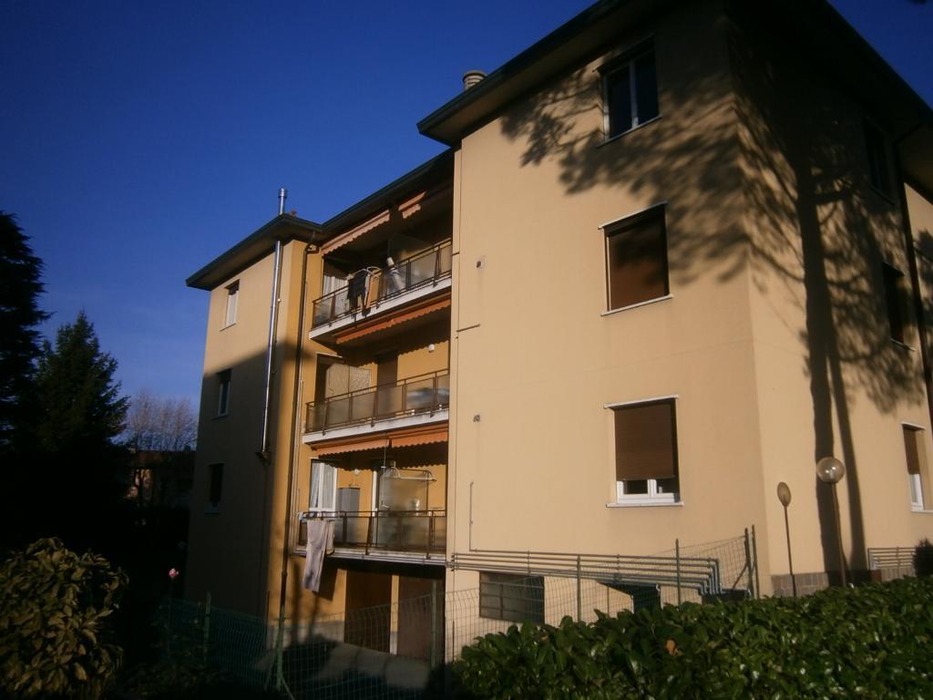 Bilocale Lomagna Via Pascoli 4 1