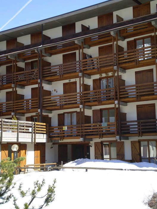 Bilocale Cesana Torinese Via Iv Novembre    Cond. Des Alpes 2