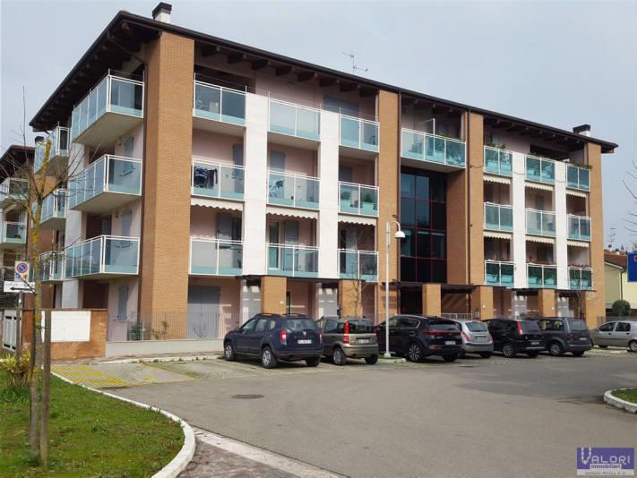 Appartamento in vendita a Faenza, 3 locali, zona Località: CAPPUCCINI/ORTO BERTONI, prezzo € 270.000 | CambioCasa.it