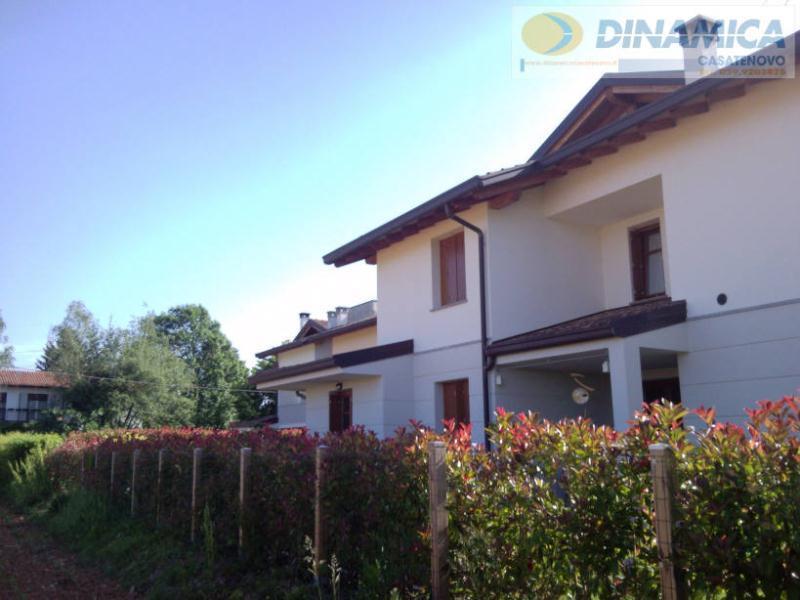 Bilocale Lomagna Via Villaggio Dei Pini 10