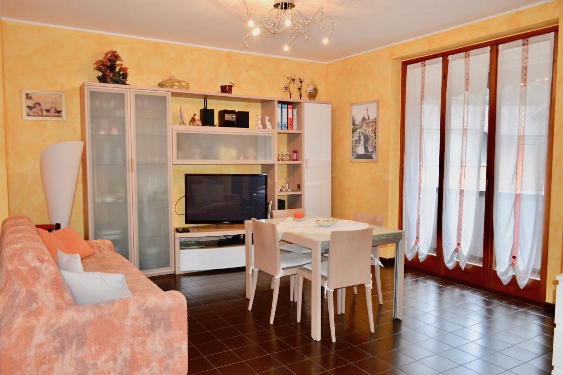 Appartamento in vendita a Caprino Bergamasco, 2 locali, prezzo € 80.000 | CambioCasa.it