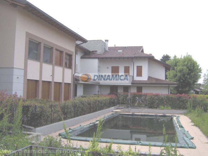 Bilocale Lomagna Via Villaggio Dei Pini 8