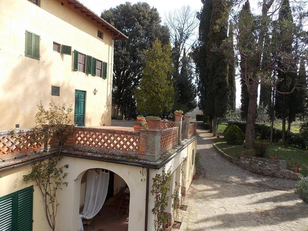 Vendesi elegante villa a San Casciano in Val di Pesa (FI)