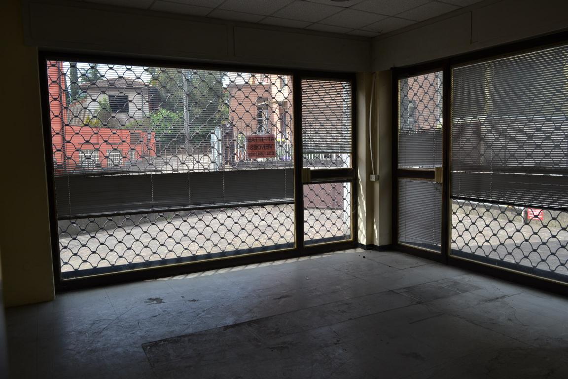 Negozio / Locale in vendita a Calolziocorte, 3 locali, zona Località: Centro, prezzo € 100.000 | Cambio Casa.it