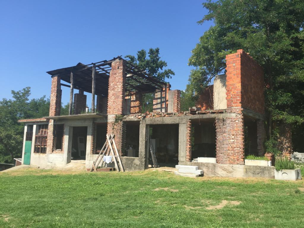 Immobiliare santa cristina srl a varese casa for Case dall aspetto rustico