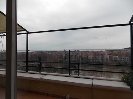 Affittasi splendido attico panoramico a Roma