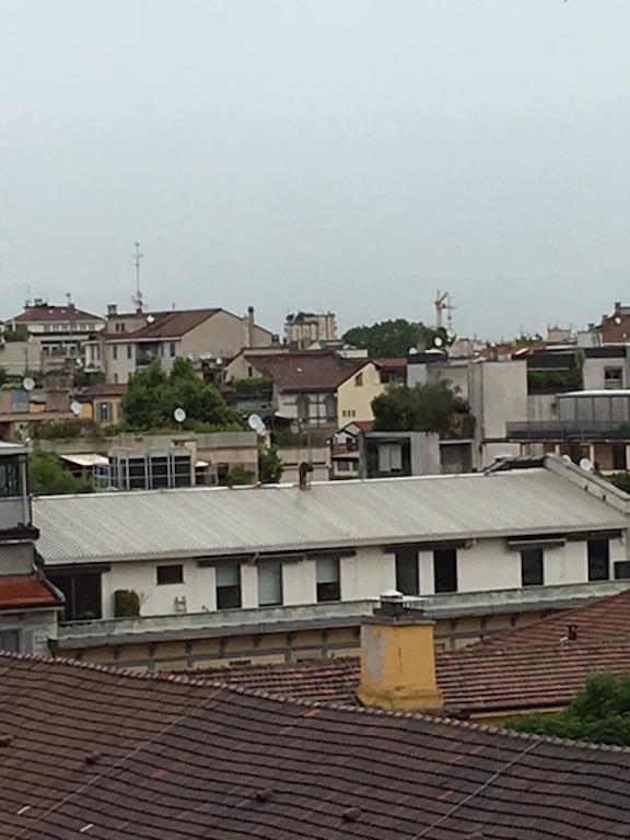 Bilocale Milano Via Savare' 3