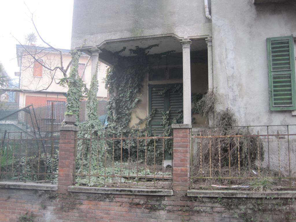 Rustico / Casale in vendita a Lambrugo, 5 locali, zona Località: Centro, prezzo € 50.000 | CambioCasa.it