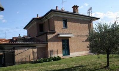 Villa in vendita a Seveso, 5 locali, zona Zona: Altopiano, prezzo € 1.300.000   Cambio Casa.it