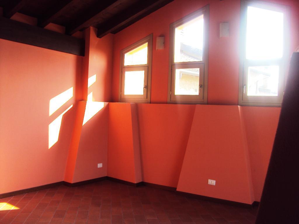 Bilocale Perego Via Lissolo 7