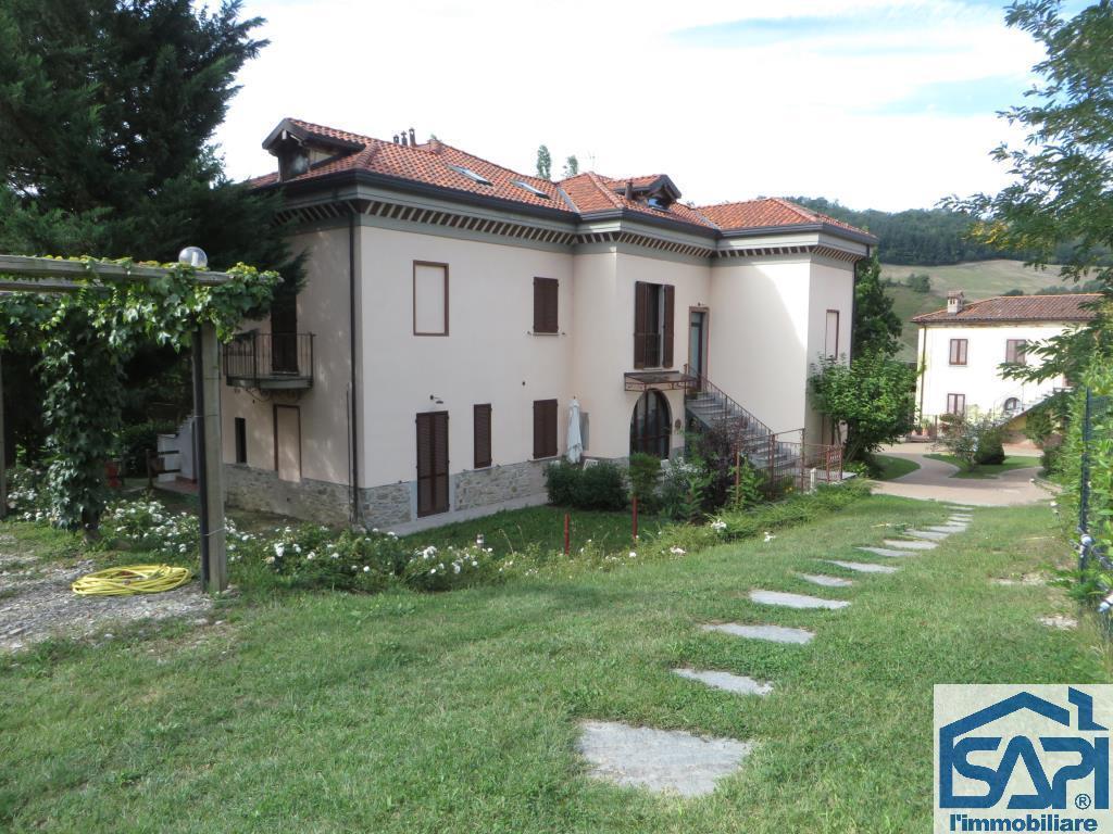 Appartamento in vendita a San Sebastiano Curone, 3 locali, prezzo € 100.000 | CambioCasa.it