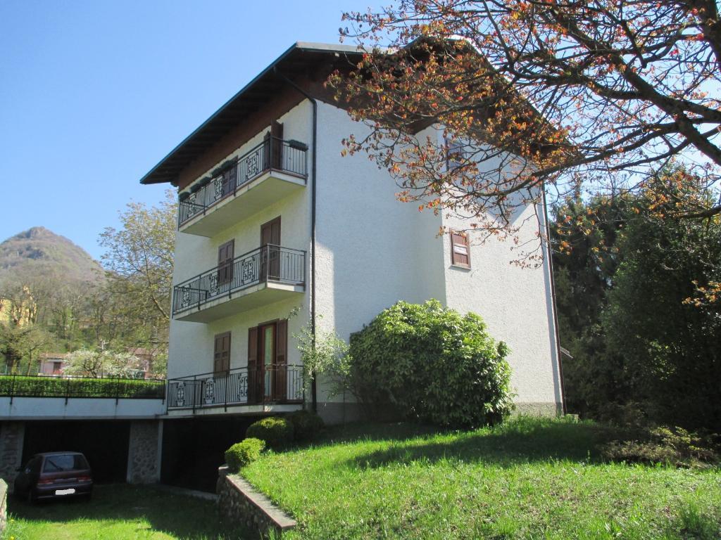 Appartamento in vendita a Cremeno, 3 locali, prezzo € 70.000 | CambioCasa.it