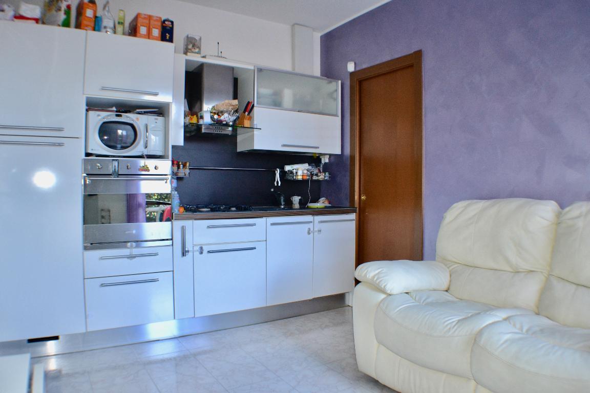 Appartamento in vendita a Airuno, 2 locali, prezzo € 59.000 | Cambio Casa.it
