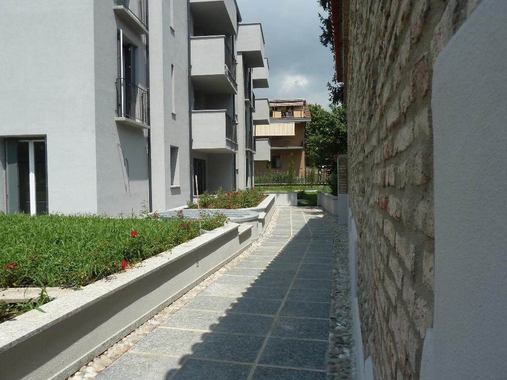 Bilocale Monza Via Medici 18 6