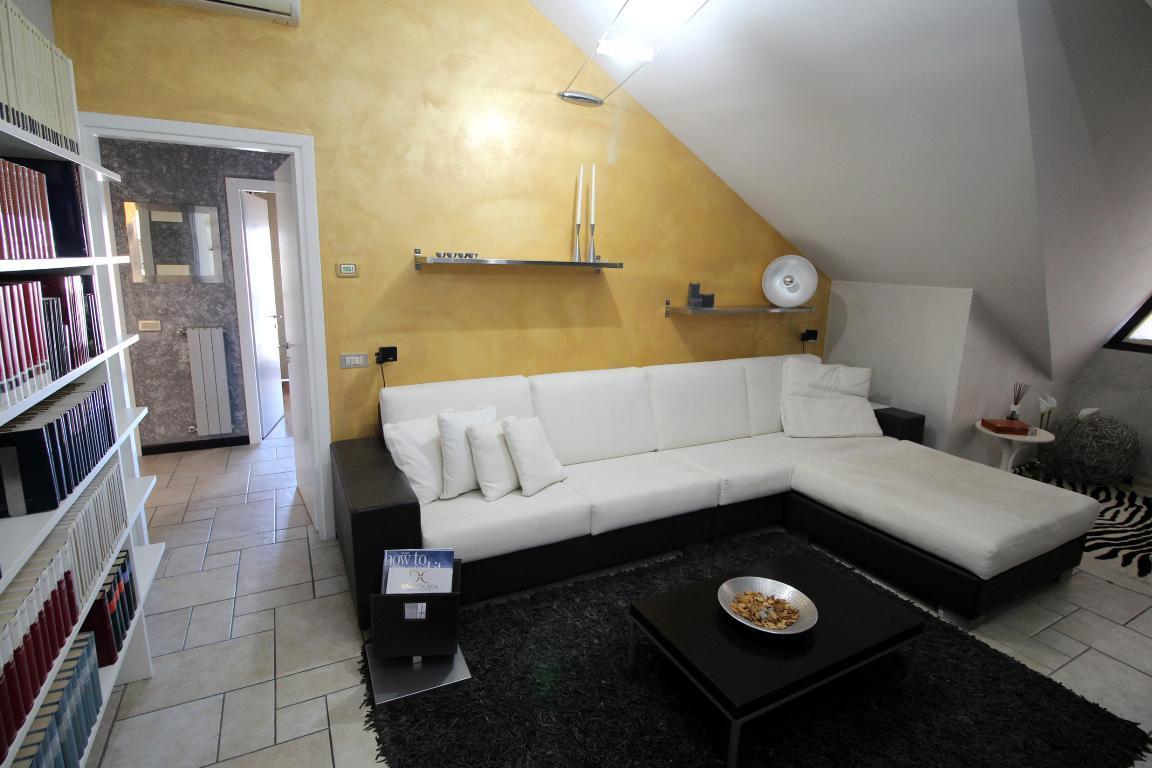 mansarda sottotetto soffitta solaio vendita italia di metri quadrati 114 prezzo 190000 rif se 2123