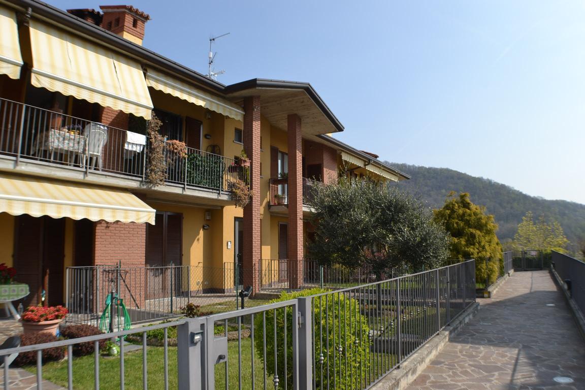 Appartamento in vendita a Villa d'Adda, 2 locali, zona Località: alta, prezzo € 110.000 | CambioCasa.it