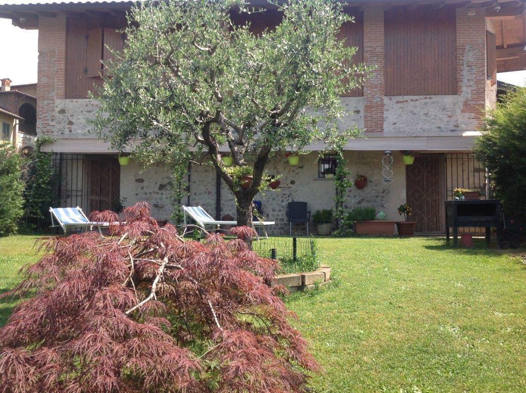 Villa in Vendita a Suisio