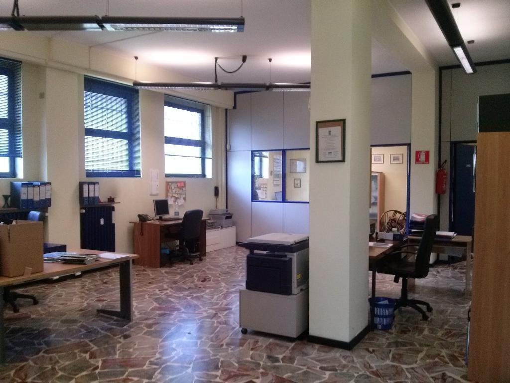 Ufficio / Studio in affitto a Monza, 4 locali, zona Località: via arrigo boito, prezzo € 1.250 | CambioCasa.it