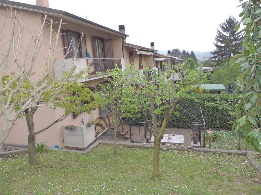 Villa a Schiera in vendita a Brembate di Sopra, 4 locali, prezzo € 260.000 | CambioCasa.it