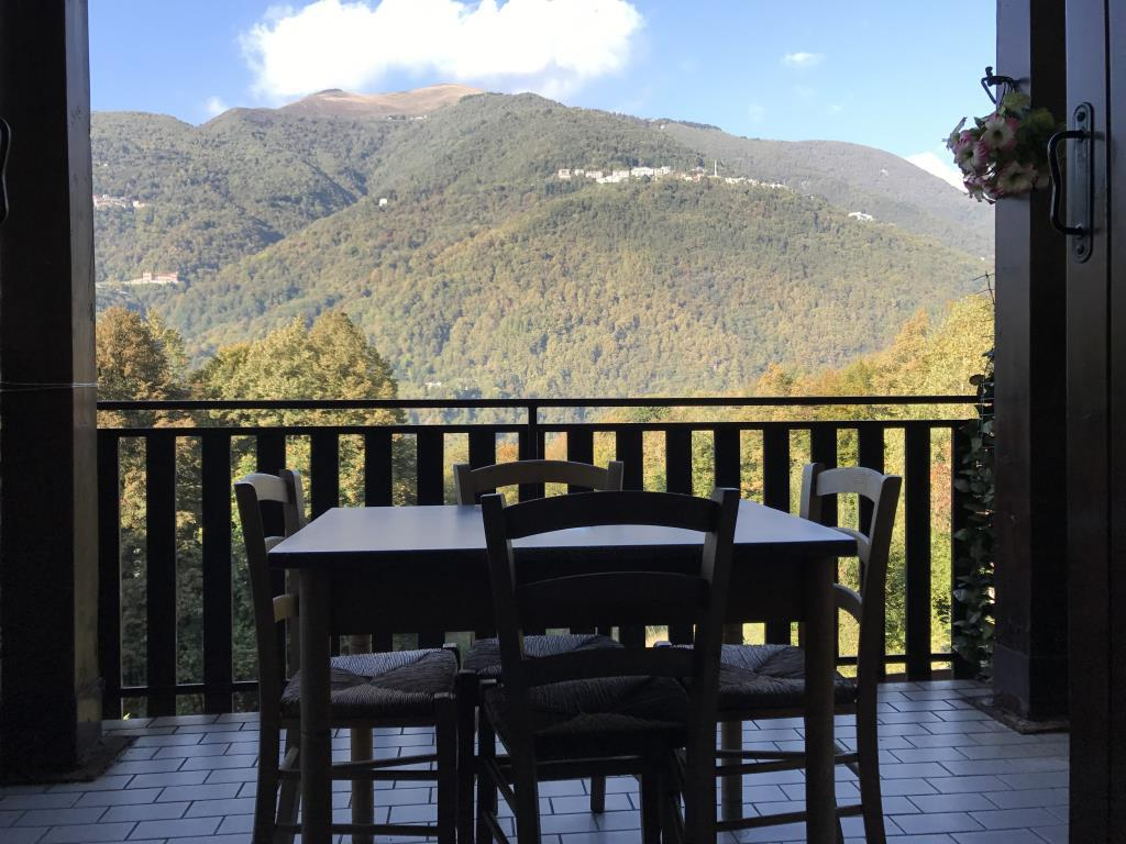 Appartamento in vendita a Parlasco, 3 locali, prezzo € 79.000 | CambioCasa.it