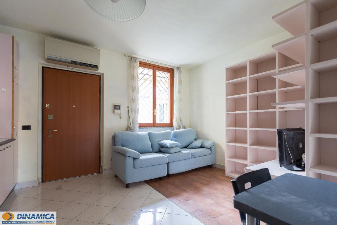 Appartamento in vendita a Casatenovo, 2 locali, zona Località: Centro, prezzo € 66.000 | CambioCasa.it