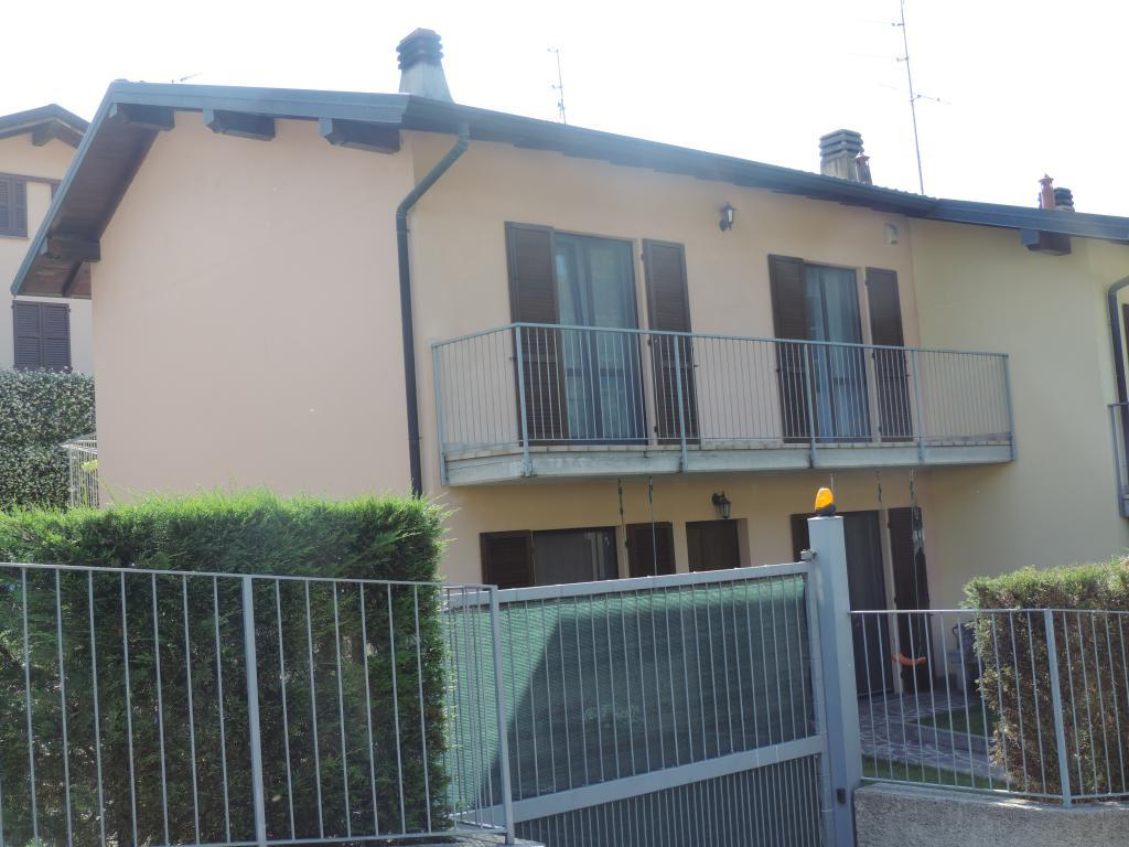 Villa a Schiera in Vendita a Cisano Bergamasco