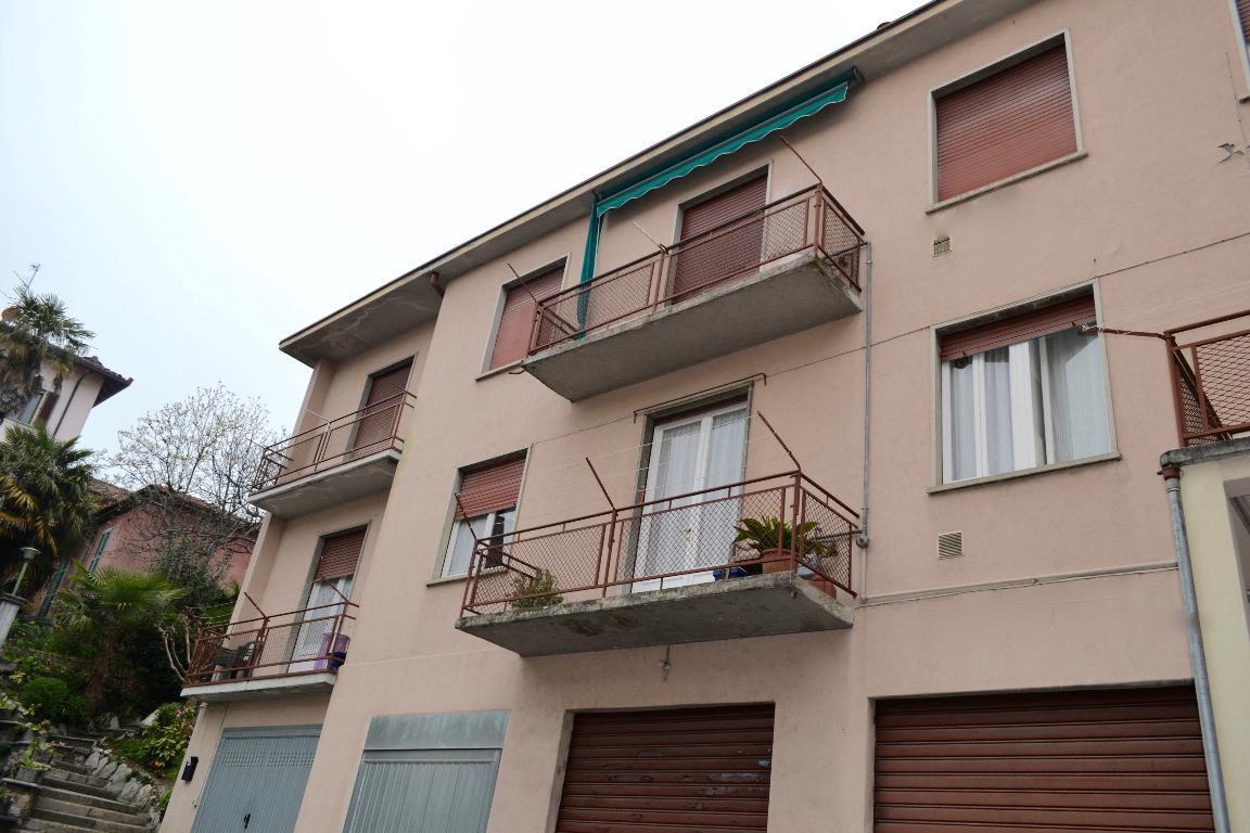 Appartamento in affitto a Calolziocorte, 2 locali, zona Località: centrale, prezzo € 320 | Cambio Casa.it