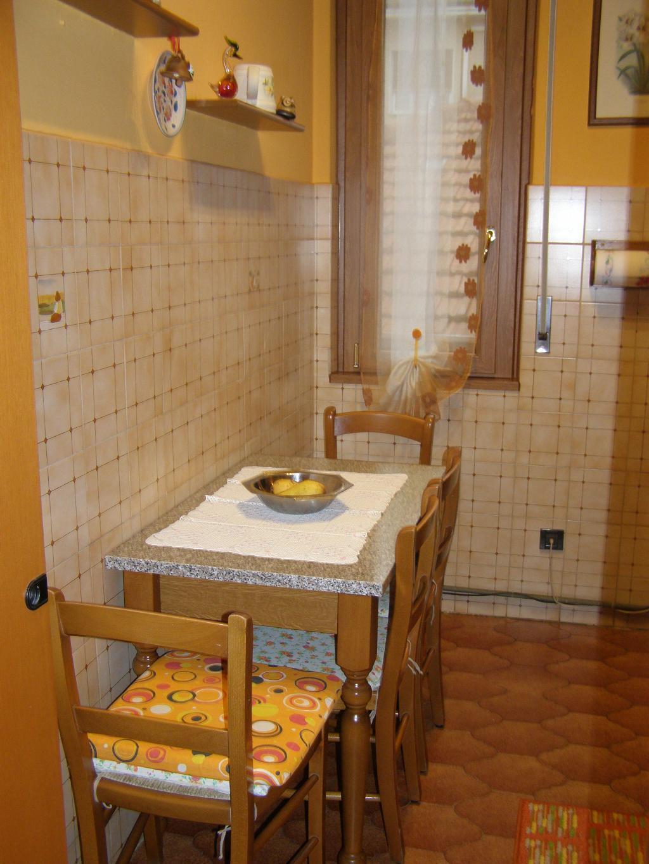 Bilocale Limbiate Via Trieste 120 10