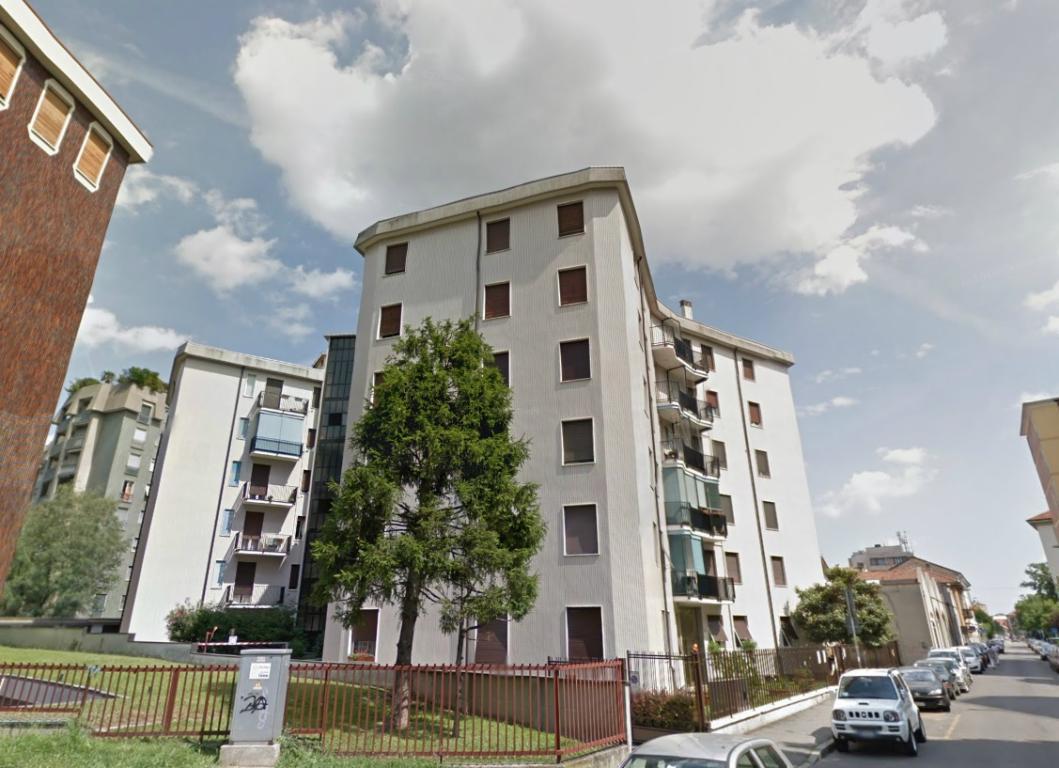Bilocale Monza Via Stelvio 10 1