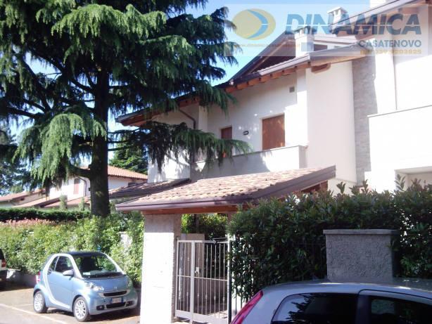 Bilocale Lomagna Via Villaggio Dei Pini 3