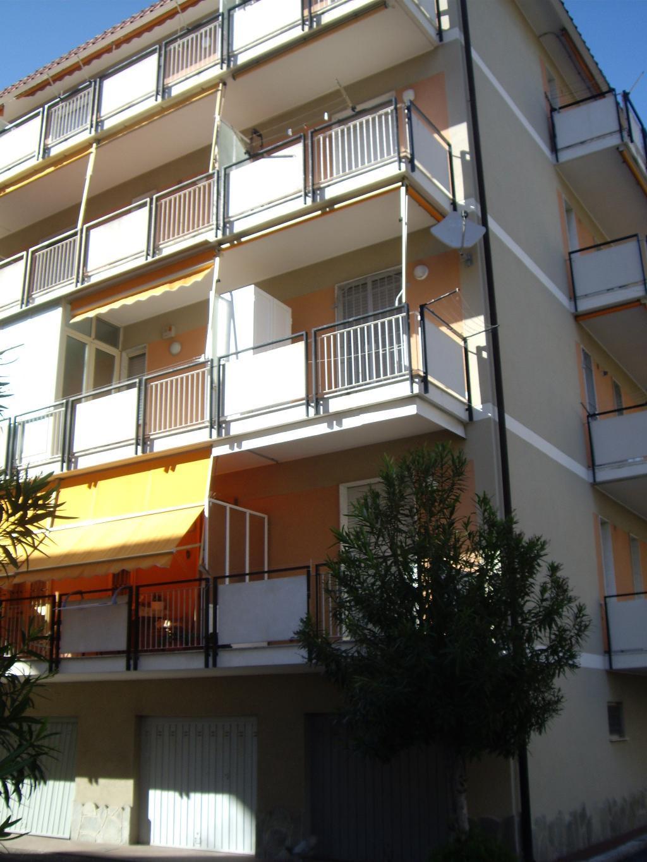 Bilocale Borghetto Santo Spirito Via Cagliari 11 2