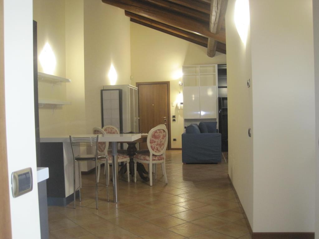 Appartamento in affitto a Casatenovo, 4 locali, zona Località: Centrale, prezzo € 800 | Cambio Casa.it