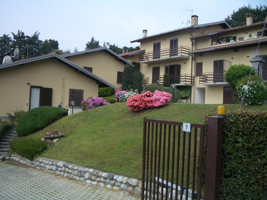 Bilocale Montegrino Valtravaglia Via Gragna 9 2