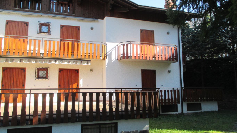 Appartamento in vendita a Margno, 2 locali, zona Località: zona funivia, prezzo € 55.000 | CambioCasa.it