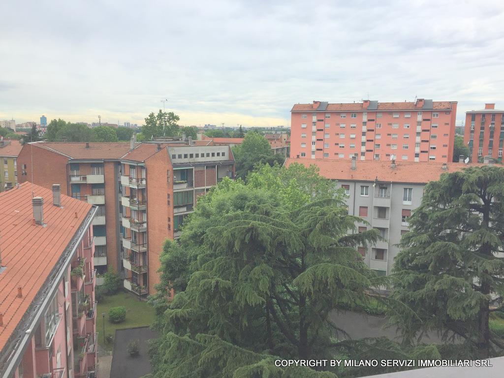 Bilocale Milano Via Esculapio 4 6