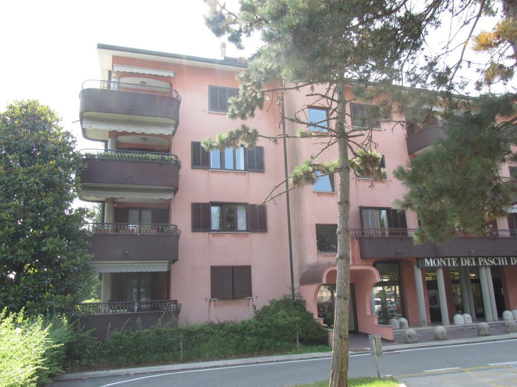 Appartamento in affitto a Montano Lucino, 2 locali, zona Località: Lucino (sopra Banca Monte Paschi, prezzo € 600 | Cambio Casa.it