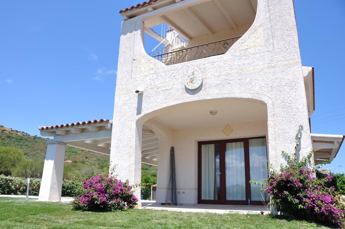 Villa Bifamiliare in Vendita a San Teodoro