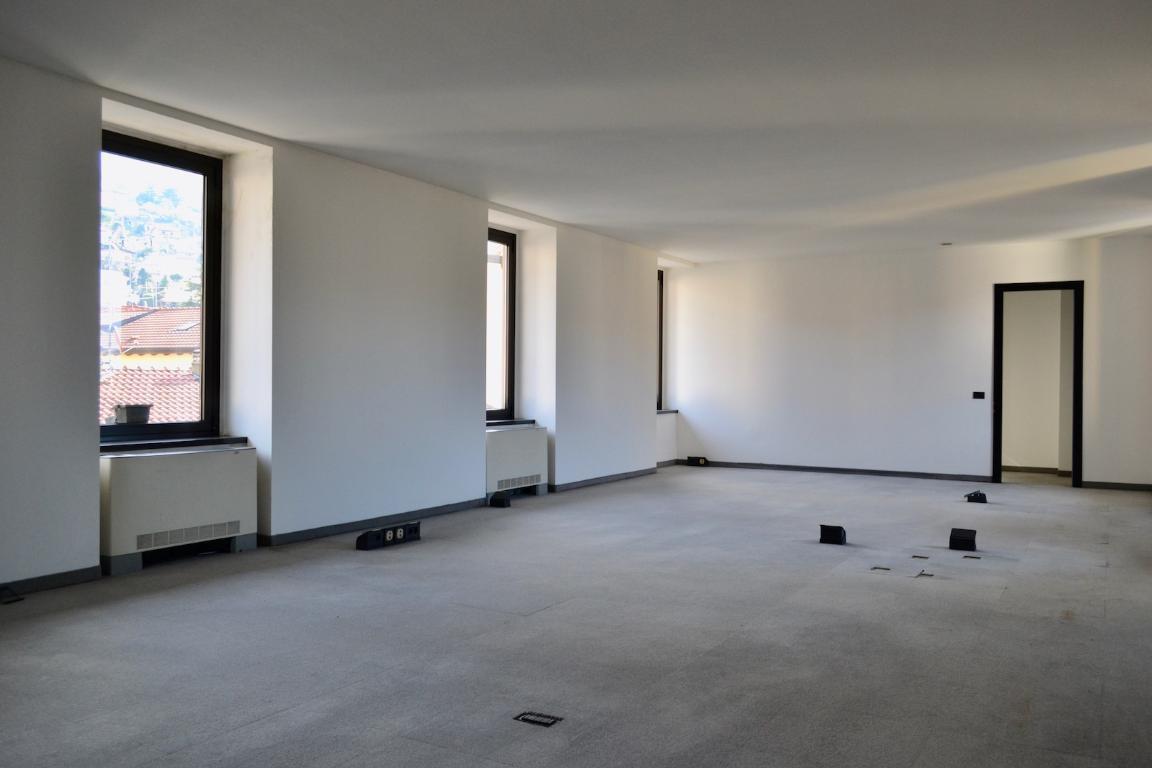 Ufficio / Studio in affitto a Calolziocorte, 9999 locali, zona Località: Centro, prezzo € 500 | Cambio Casa.it