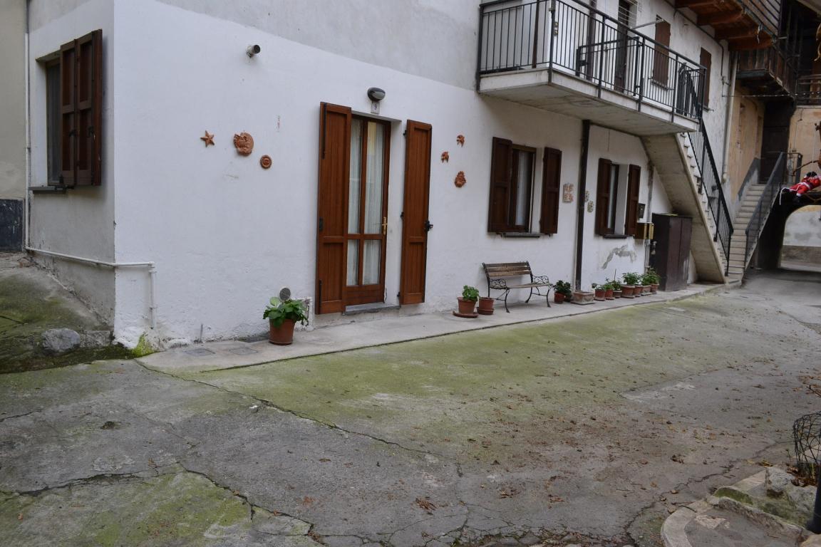 Appartamento in vendita a Brivio, 2 locali, prezzo € 75.000 | Cambio Casa.it