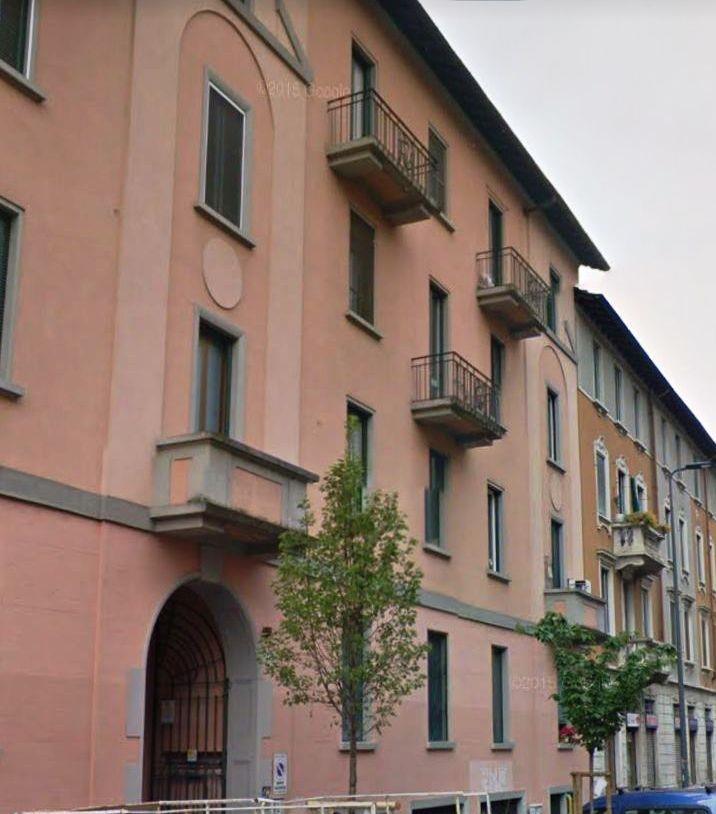 Bilocale Milano Via De Sanctis 8