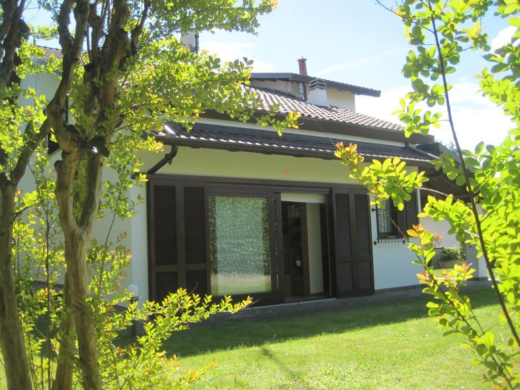 Villa in vendita a Inverigo, 5 locali, prezzo € 490.000 | CambioCasa.it