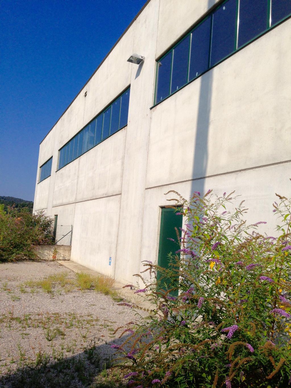 Capannone in vendita a Cisano Bergamasco, 1 locali, zona Zona: la Sosta, prezzo € 650.000 | Cambio Casa.it