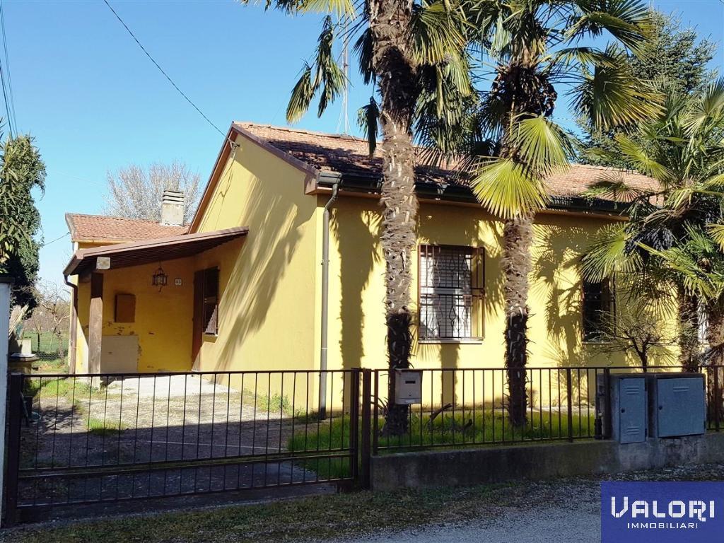 Soluzione Indipendente in vendita a Faenza, 4 locali, zona Località: PRESSI VIA LUGO, prezzo € 179.000 | CambioCasa.it